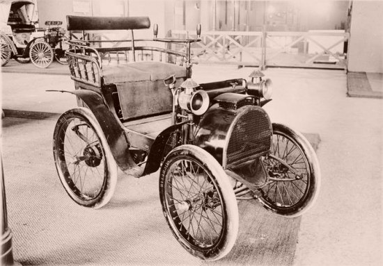 Automobile Renault type A, en 1898