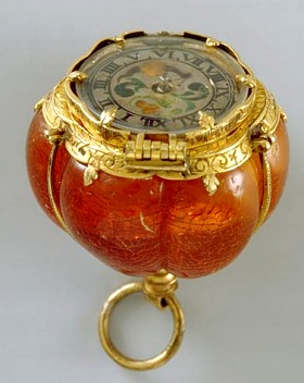 Montre en forme de bouton de pavot, début du XVIIe siècle