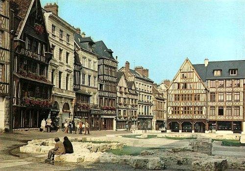 Face Au B Cher De La Pucelle La Couronne Plus Vieille Auberge De France Rouen Jeanne D 39 Arc