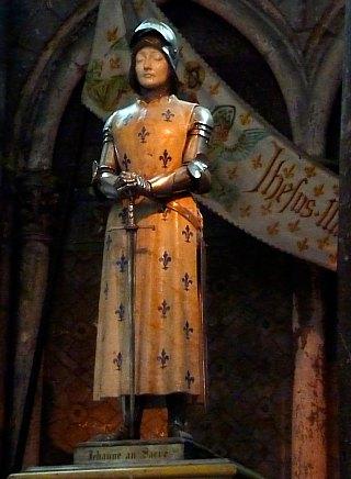 Statue de Jeanne d'Arc à la cathédrale de Reims (statue de Prosper d'Epinay, 1901)